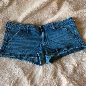 Bullhead short shorts
